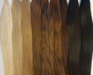 Barevná řada vlasů k prodloužení